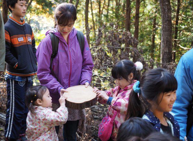 山で木にふれ、材木をつくる人たちに会いにいく