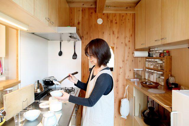 キッチン常備の味噌やヨーグルトは自家製。