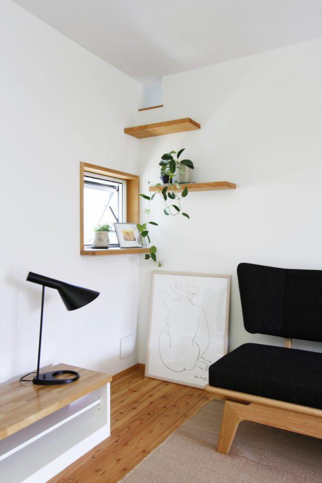 猫用の足場。飾り棚としても活用できます。