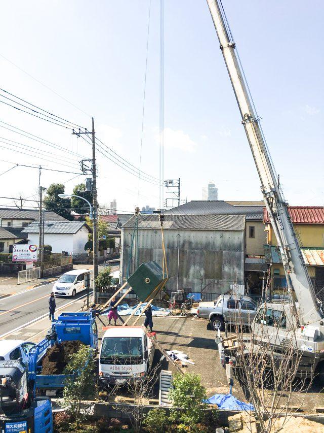巣箱がいよいよつむじへ。クレーンでの吊り込み工事という大掛かりなプロジェクト!