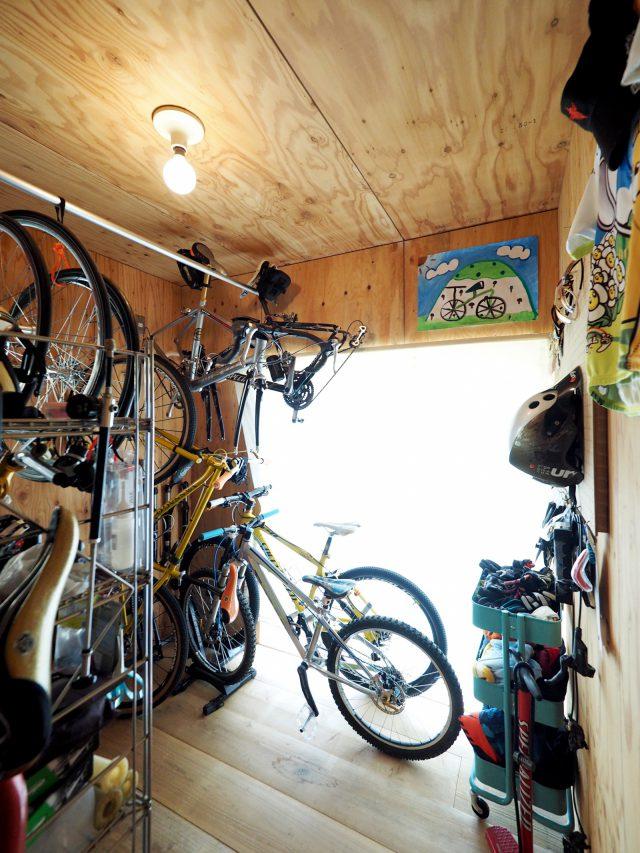 12台の自転車が収納できるスペース。
