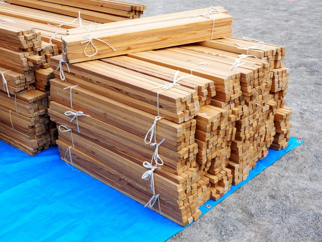 2種類の長さ(1,800mmと900mm)の材木