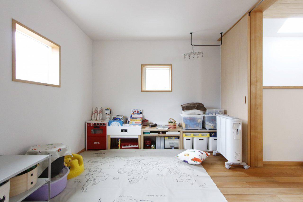 将来的には間仕切りをして2部屋にもできる子ども部屋