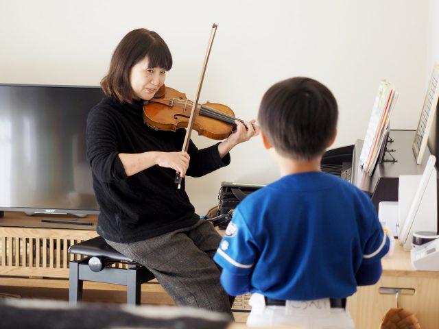 奥様のバイオリン演奏