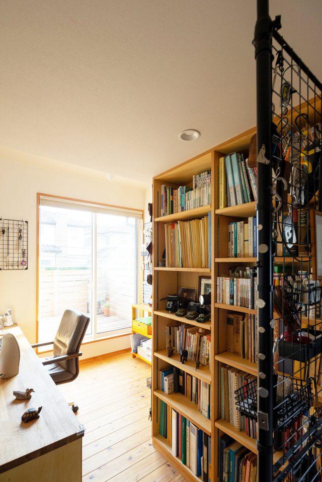 ご主人の部屋は工作や無線など、多くの趣味が詰まっています