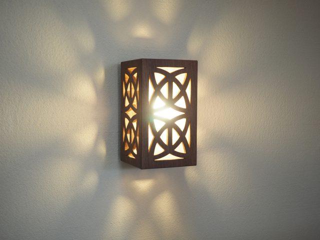 a-wood富沢麻子さんの照明(階段壁面)