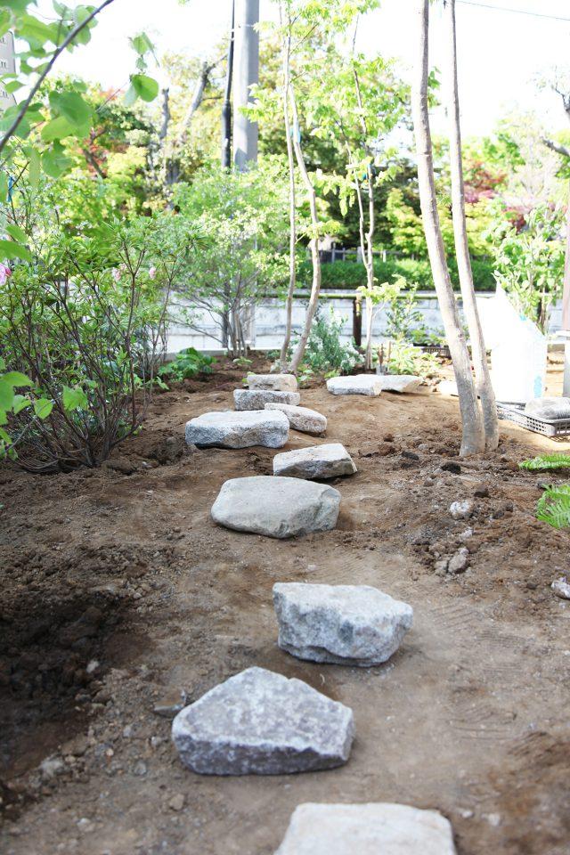 石の配置がすごく彫刻的で印象に残っています」とA様