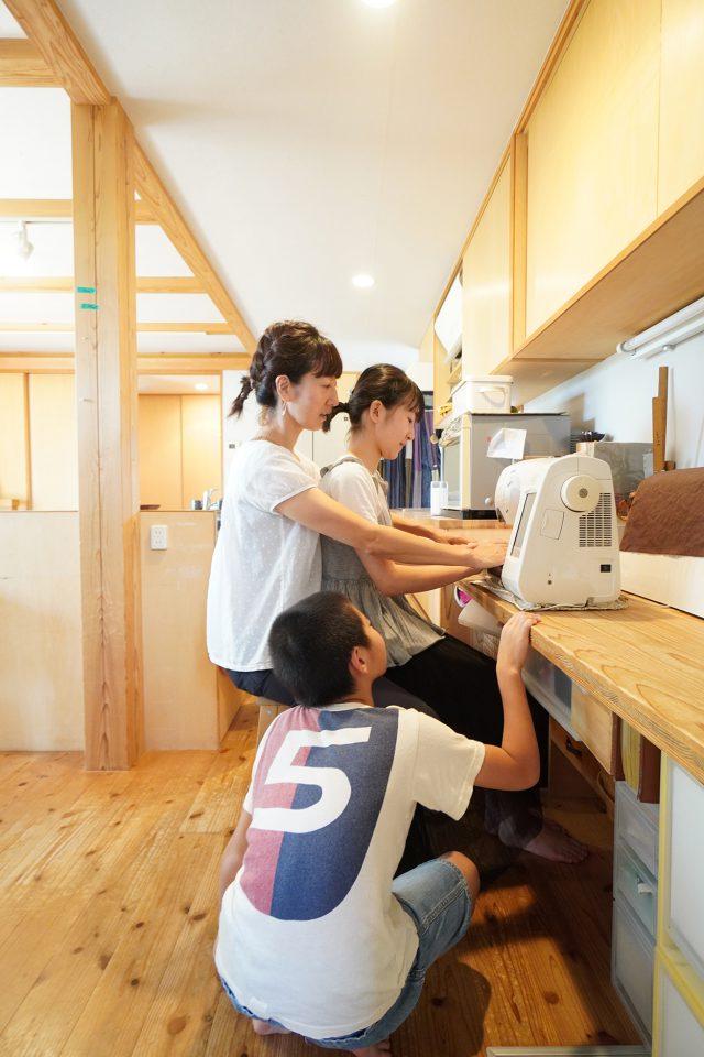 奥様のミシンコーナーで「ainoha vol.2」に掲載した写真を再現
