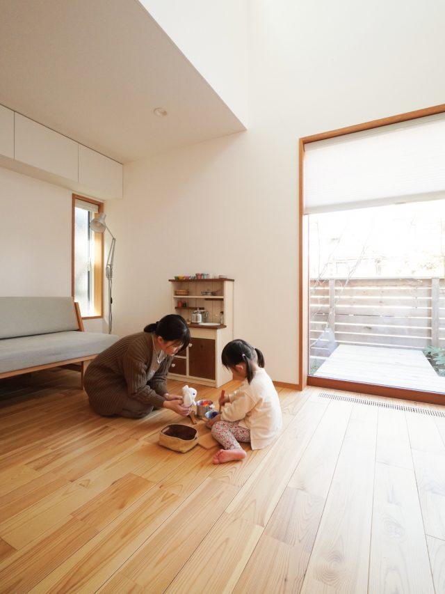 窓前が娘さんの遊ぶスペース。