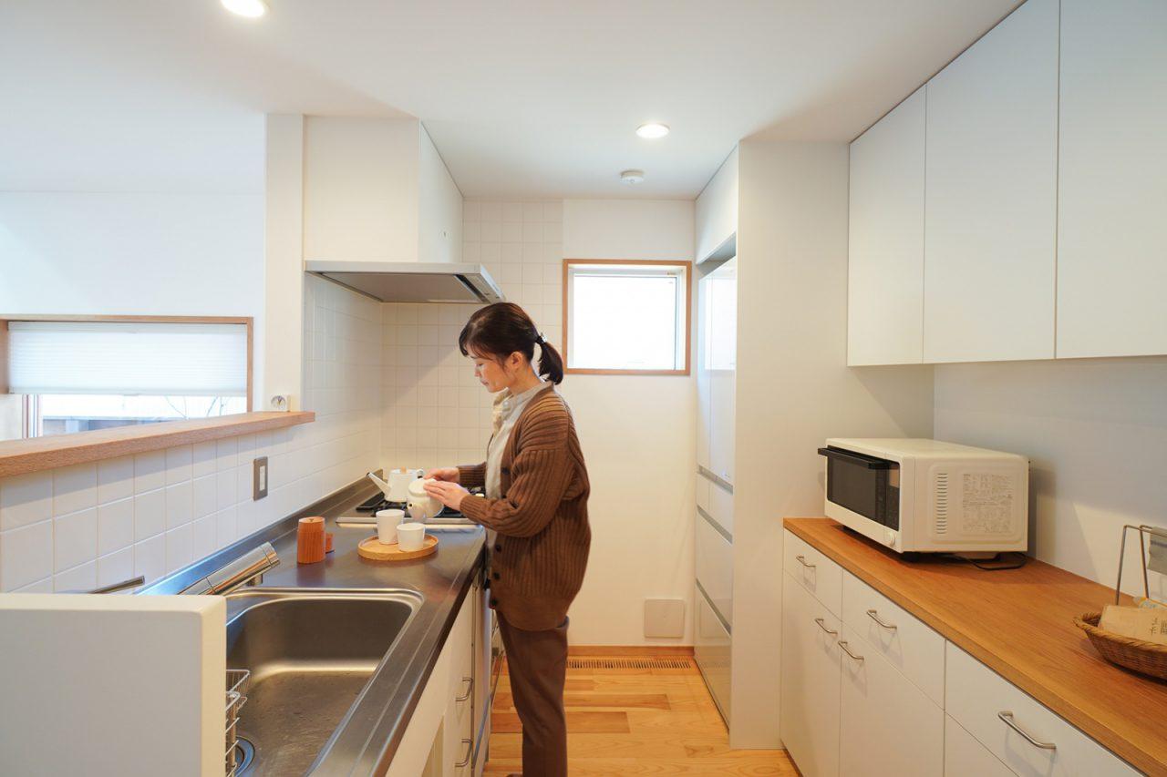 キッチンは炊飯器やトースターがなくスッキリ。