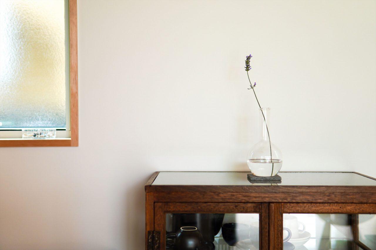 棚と花瓶は、旅先の「NASU SHOZO CAFE」にて購入。
