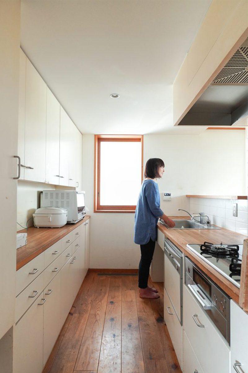 キッチン天板は木。オイルでお手入れしながら15年。