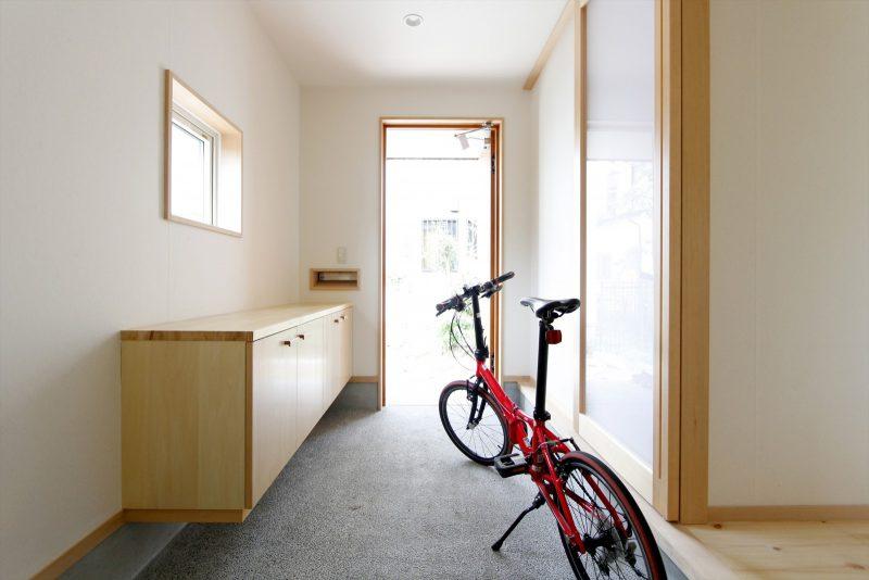 1区画:1階土間…大事な自転車を入れたり、園芸道具もたくさん置ける!
