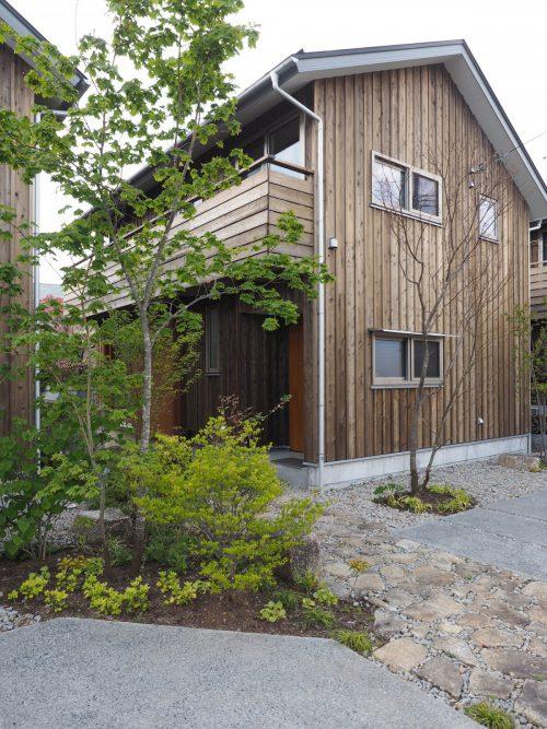 年内のご⼊居も可能な、建売分譲中の1棟(写真)も同時にご見学いただけます。