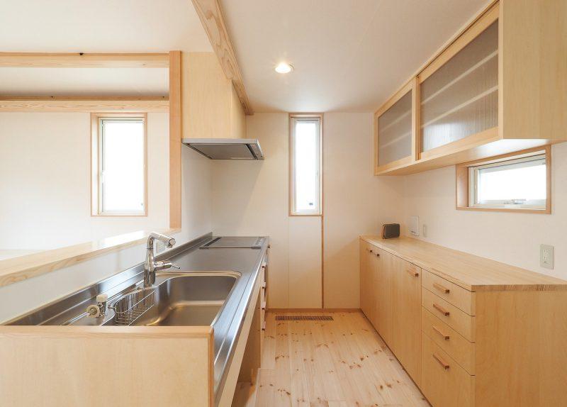 大工がつくるキッチンと造作の収納