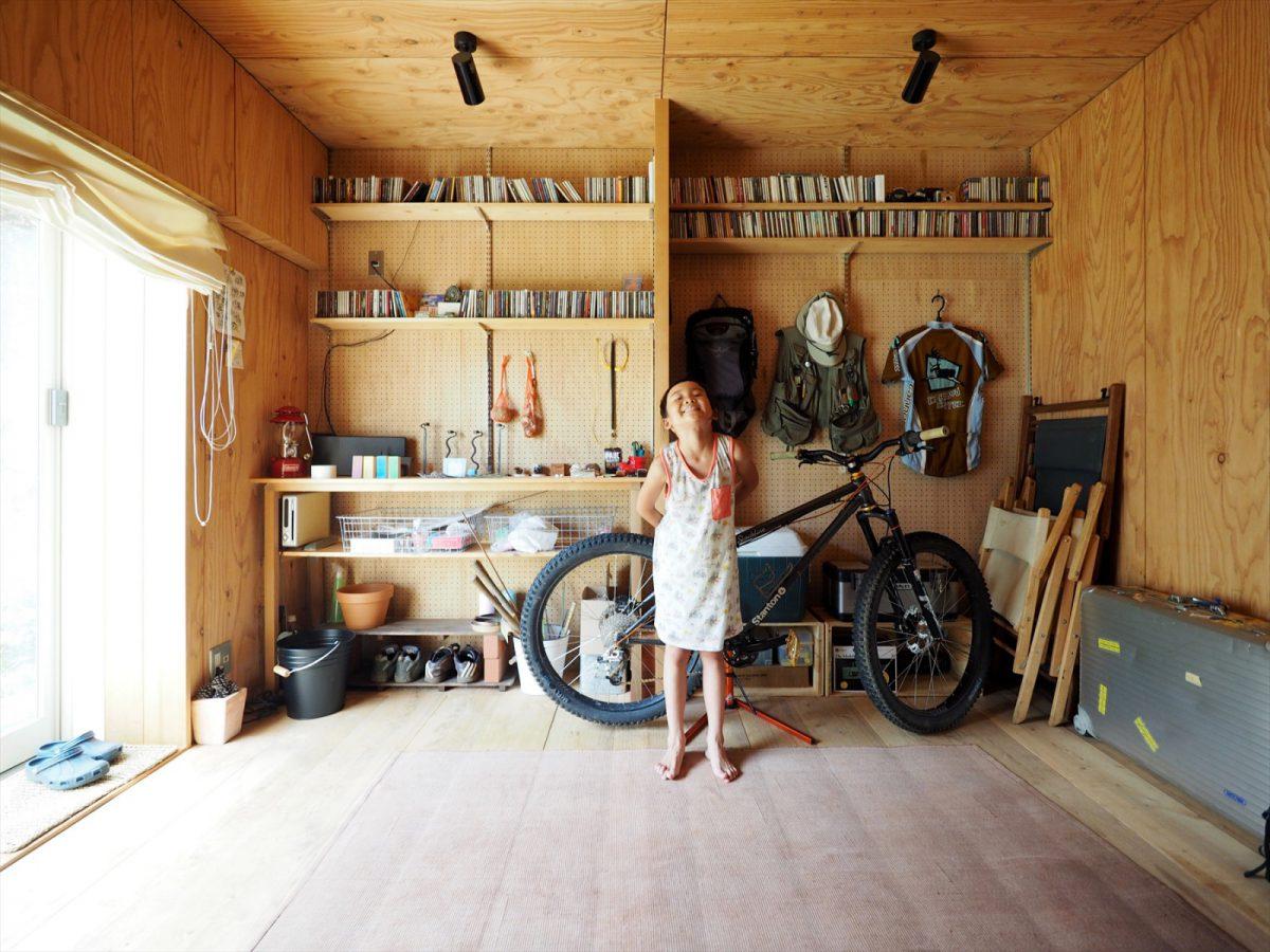 暮らしづくり事例3:中古戸建物件を購入し、憧れの半地下ガレージを実現