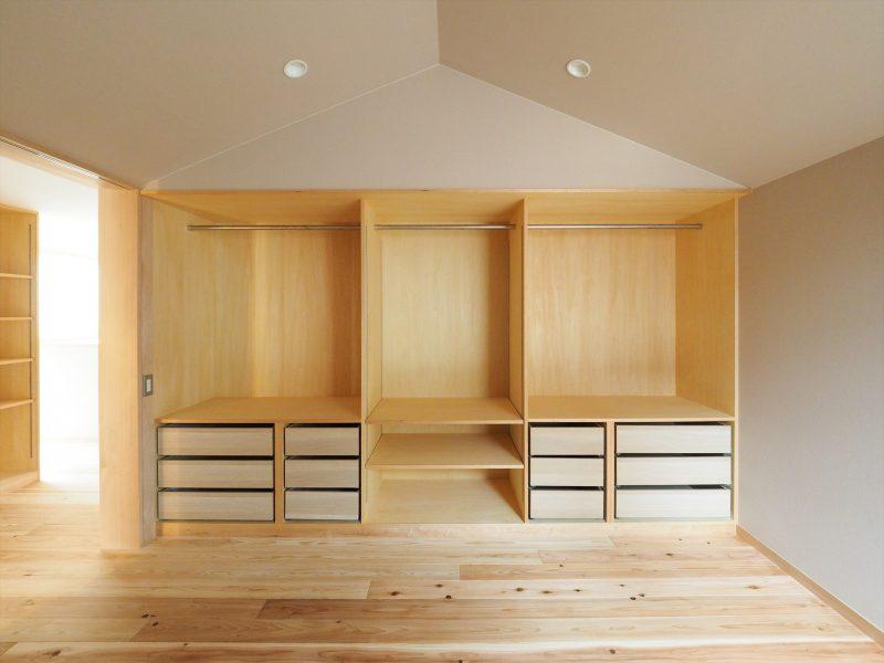 三角天井の寝室&クローゼット