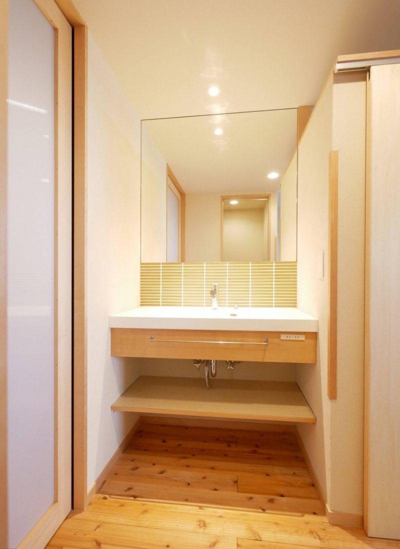 帰宅時にすぐに手洗いができる洗面スペース