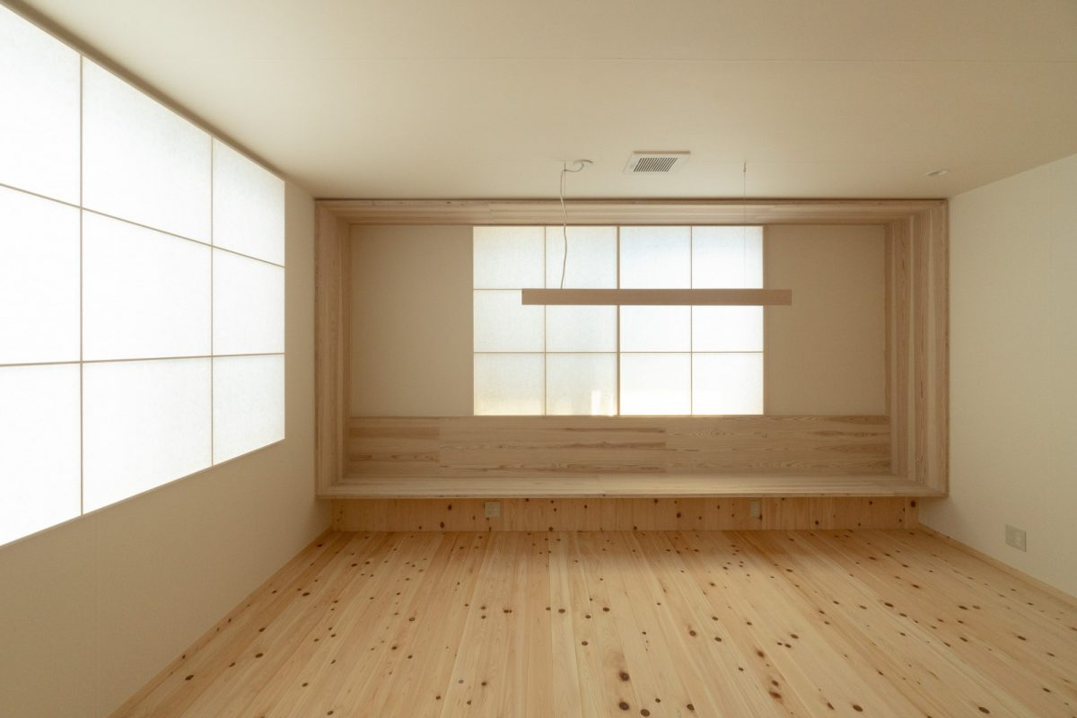 「紙の間」(旧会長室)|契約書など紙に記しをする場所でもあるので、障子紙や壁紙の仕上げに。